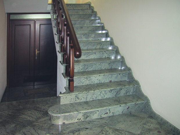 Salvatore bua lavorazione artistica marmi e graniti - Granito per scale ...
